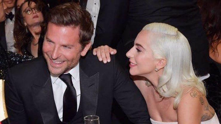 Tajná láska, o které tušil celý svět: Takhle se Lady Gaga a Bradley Cooper prozrazovali