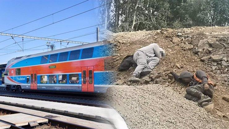 Odpolední siesta na stavbě železnice: Fotky spících dělníků pohoršily veřejnost