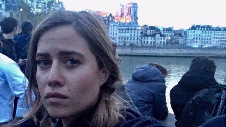 Kolegové se po snímku před Notre-Dame zastali Emmy Smetana: Vaše reakce JÍ NIČÍ ŽIVOT!