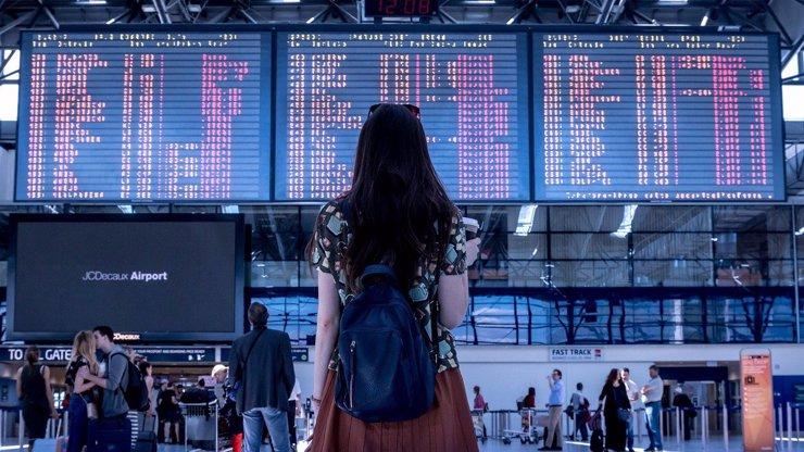 O místo můžou přijít tisíce lidí, ztráty budou miliardové: Velká prosba na vládu o peníze pro aerolinky