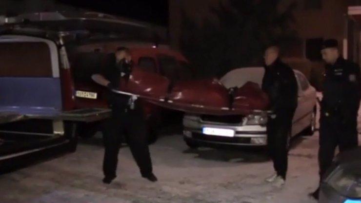 Horor na Sokolovsku: Zdeňka měla TŘI ROKY v posteli MRTVOLU SVÉ MATKY!