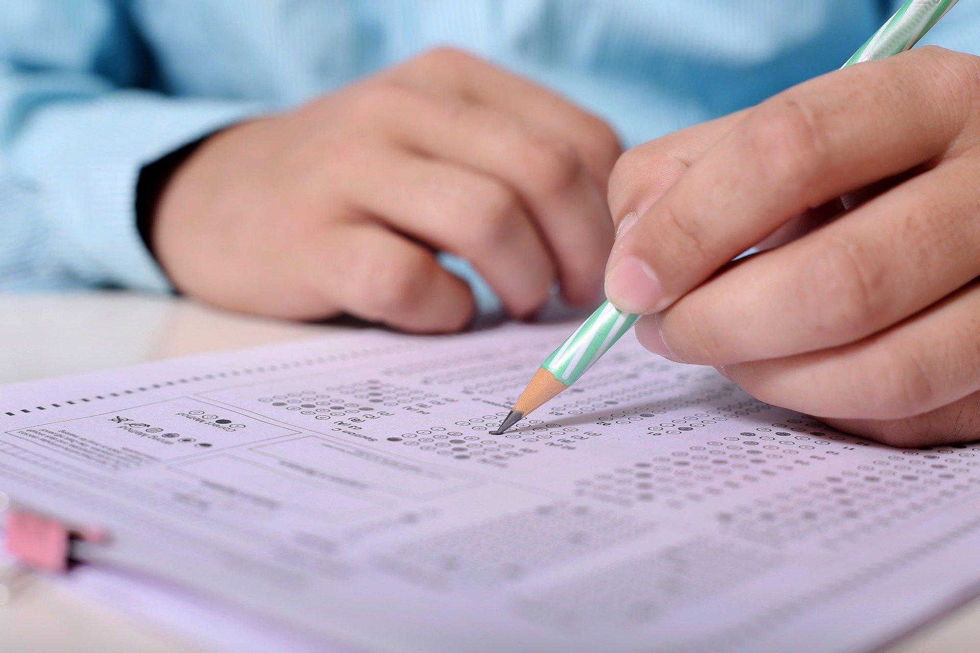 Přijímací zkoušky na střední školy: Letos budou jednotné a jen na jeden pokus