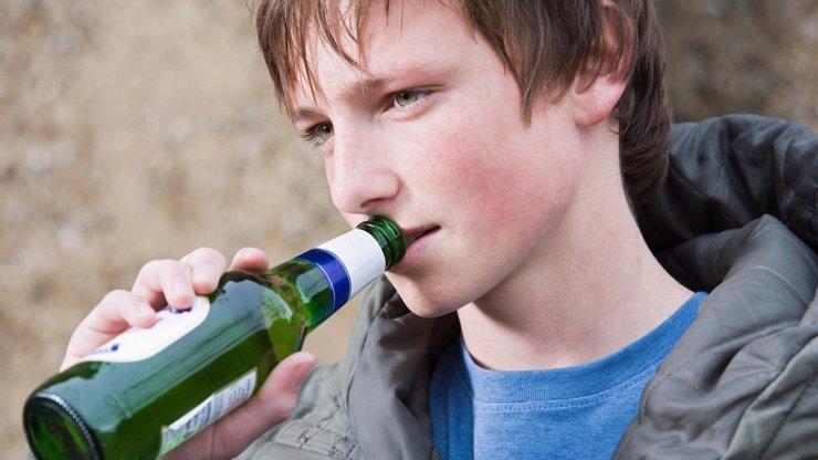 České děti a alkohol? Z těch otřesných čísel se vám protočí panenky!
