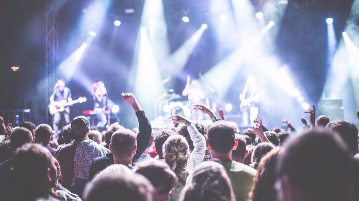Muzikanti nevidí světlo na konci tunelu: Svolávají demonstraci Za živou hudbu!