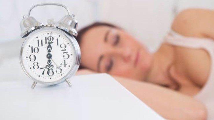 Změna času se blíží! Vyspíme se o hodinu méně. Kdy to skončí?