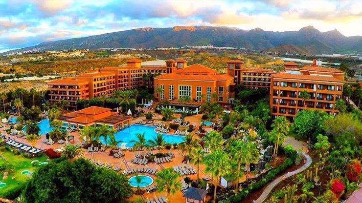 Koronavirus uvěznil Čechy na Tenerife: V hotelu lékaři potvrdili další nakažené