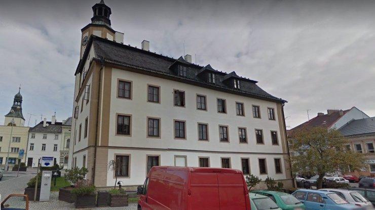 Exploze na radnici v Rýmařově: Budovu prý někdo odpálil úmyslně!