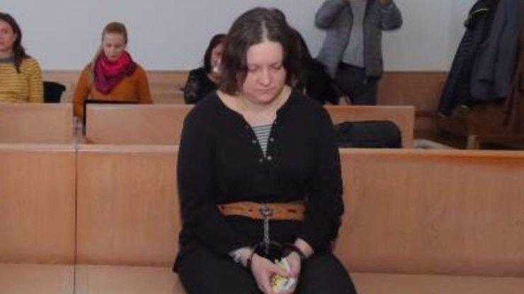 Svobodu si neužila: Vražedkyně Janáková je znovu za mřížemi, její dítě skončilo v nemocnici
