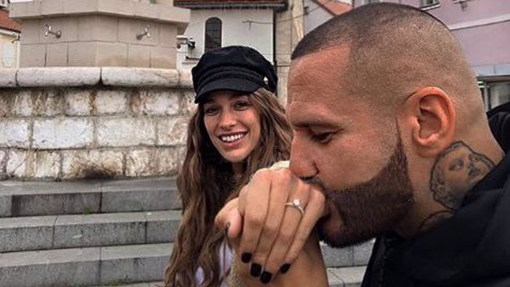 Zásnuby v Bosně: Cena prstenu, se kterým Rytmus poklekl před Jasminou, je astronomická