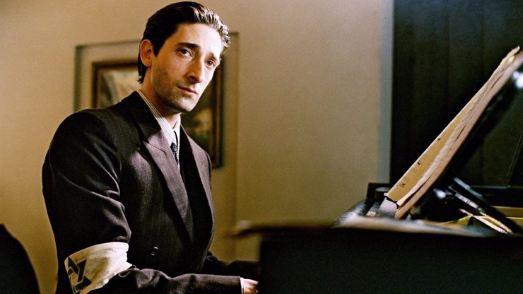 Adrien Brody v jednom z nejlepších válečných filmů: Dnešního Pianistu prostě nesmíte vynechat