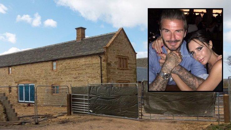Beckhamovi si koupili chátrající farmu! Neuhodnete, kolik za tuhle stodolu dali!