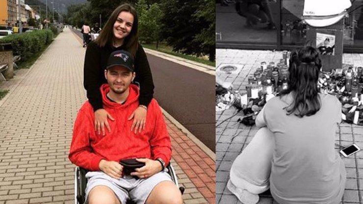 Zdrcená přítelkyně zesnulého Buchtely (†20): Poslední rozloučení s hokejistou proběhne ve čtvrtek
