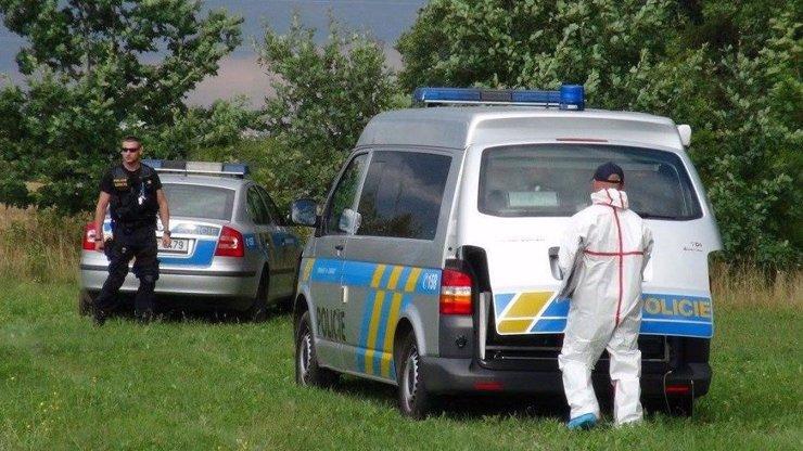 Policisté na Mostecku nalezli zakopané tělo! Jde snad o ztracenou Míšu?