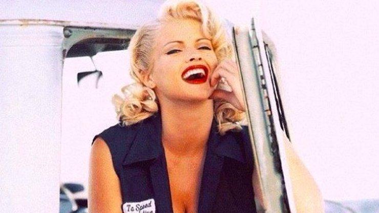 Hrůzný osud Anny Nicole Smith: Vzala si miliardáře, pohřbila syna, potom se udusila