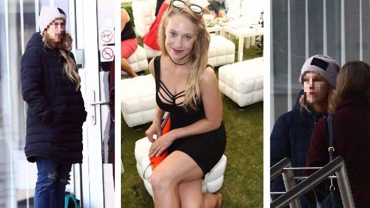 Aneta Krejčíková neměla svůj den: Zachumlaná v péřovce ukázala unavenou tvář bez make-upu