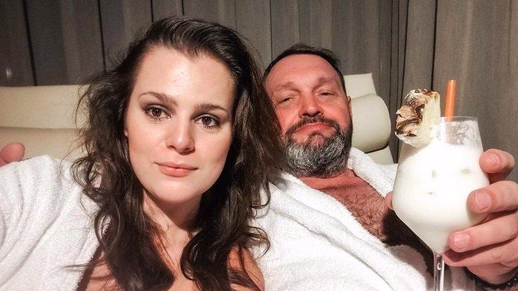 Ornella Koktová po porodu v bolestech ve špitále: Manžel promluvil o strachu z rakoviny