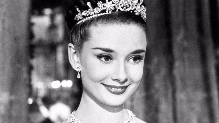 Krutý osud krásky s laníma očima: 10 tajemství ze života úchvatné Audrey Hepburn