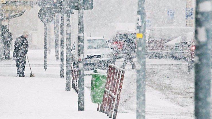 Do Česka přišla sněhová kalamita: Meteorologové vydali výstrahu!