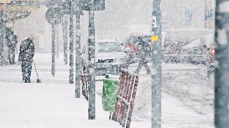O víkendu se budete brodit v HNUSNÉ BŘEČCE: Sníh bude zápasit s deštěm!