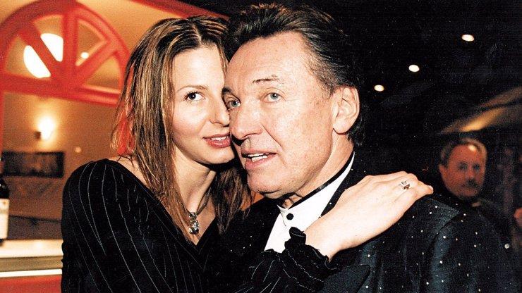 Dokument Karel odkrývá Mistrův život: Jak to bylo se svatbou ve Vegas