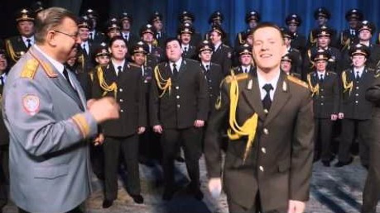 U ruské policie by chtěl pracovat každý. Mrkejte, jak udělali boží předělávku hitu Happy!