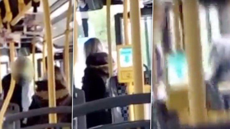 VIDEO: Chtěla lístek, dostala PĚSTÍ! Takhle zbil řidič v Hradci nebohou dívku