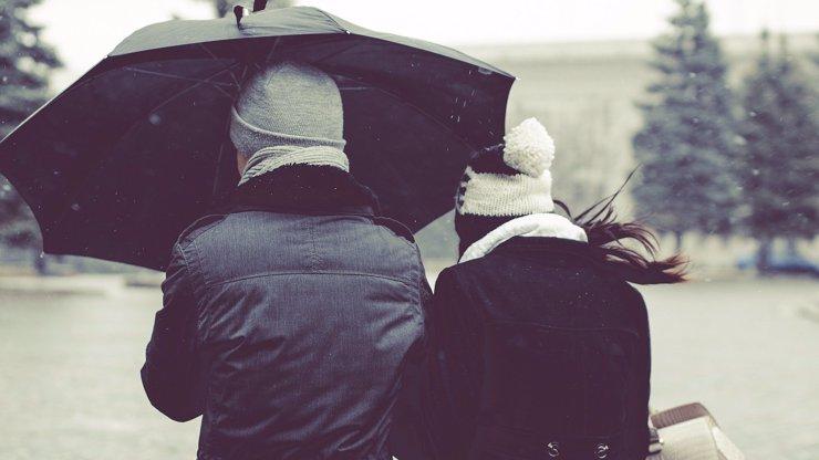 Týdenní předpověď počasí: Deštníky s sebou, přijdou i bouřky. Oteplí se o víkendu
