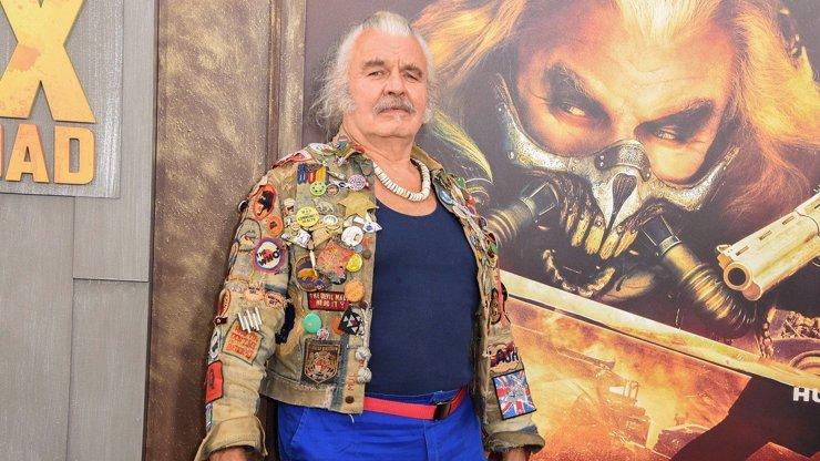 Immortan Joe ze Šíleného Maxe se odebral na věčnost. Hugh Keays-Byrne zemřel v 73 letech