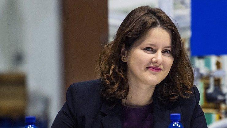 Budou umožněny návštěvy v domovech seniorů: Ministryně Maláčová upřesnila datum
