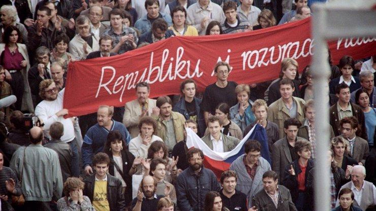 Akce k 17. listopadu: Na těchto místech v Praze můžete slavit výročí sametové revoluce