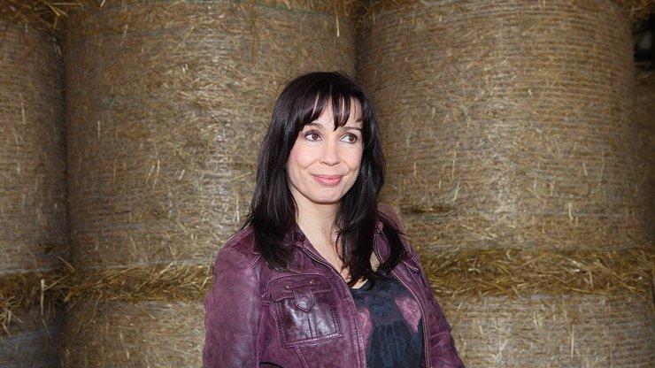 Nela Boudová zaskočila veřejnost: Nahý klín si zakryla jen rouškou