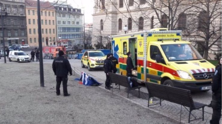 Další pokus o upálení v centru Prahy: Muž se polil hořlavinou a chtěl se zapálit!