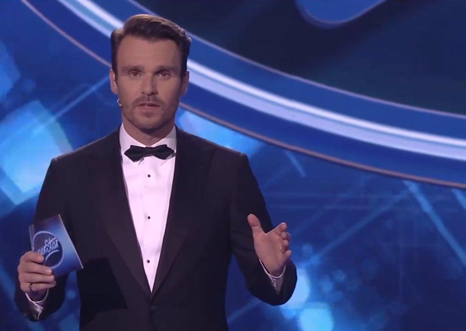 Leoš Mareš slaví 44: Od kluka v kožichu po charismatického porotce SuperStar