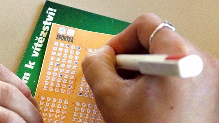 5 nejbizarnějších výmyslů o ztrátě tiketu, které lidé volají, aby od Sazky získali 2,4 miliardy