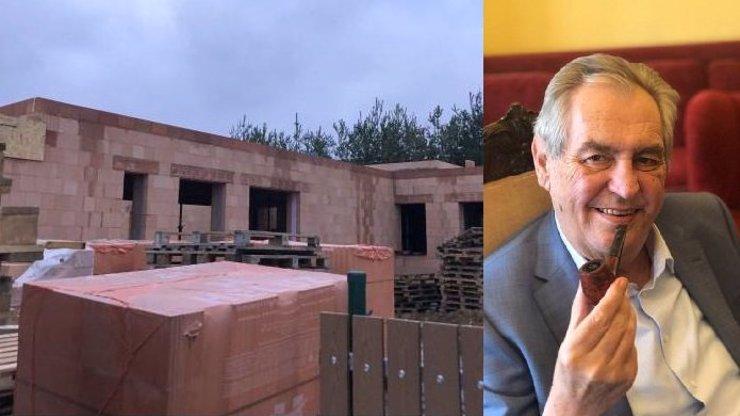 Miloš Zeman si mazlí svůj vysněný bungalov v Lánech. Vše pokračuje podle plánu, říká Ovčáček