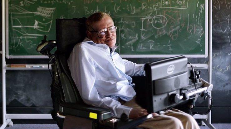 9 citátů Stephena Hawkinga, které vám změní pohled na svět! Nechte si poradit od nejchytřejšího muže současnosti!