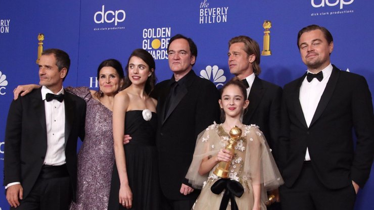 Zlaté glóby 2020 ovládl snímek Tenkrát v Hollywoodu: Kdo další získal sošku?