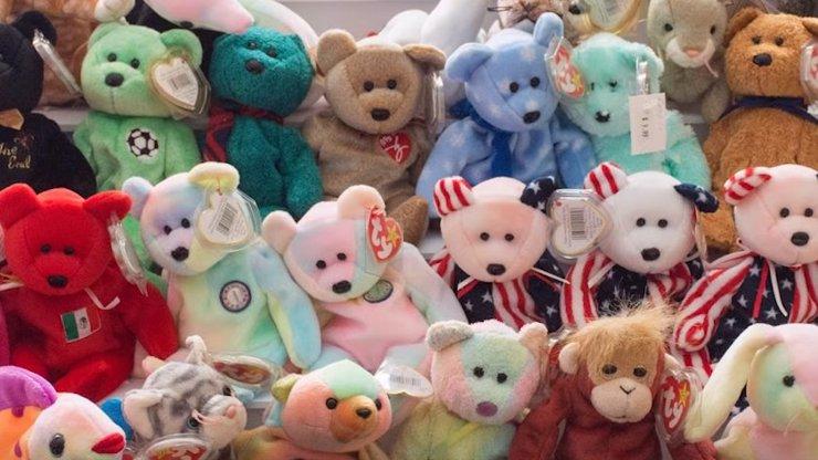 10 ikonických hraček z 90. let, které prodáte za balík: Nemáte je doma?