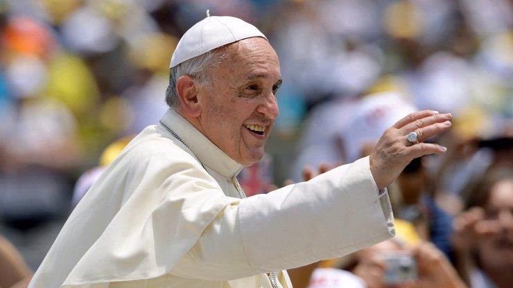 Papež František se toho nebojí: Chce přepsat nejznámější modlitbu Otčenáš