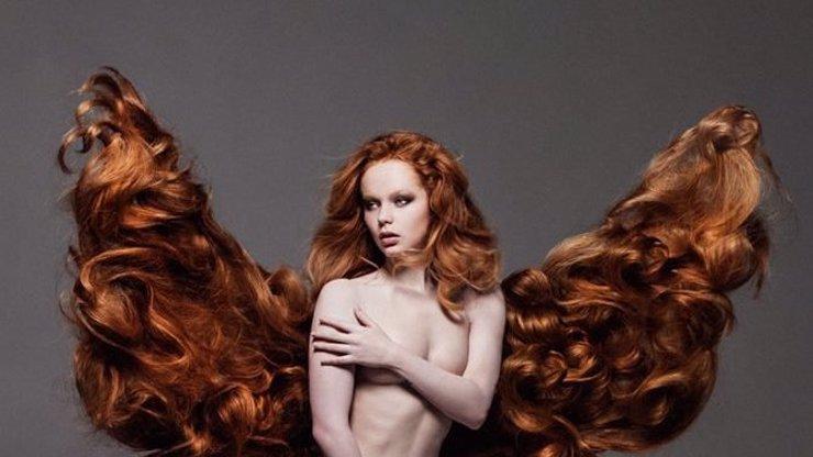 Dcera Asterové se nechala vyfotit nahá ještě jako dráždivá zrzka! Celé foto v galerii
