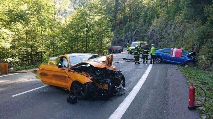 Detaily tragické nehody u Špindlu: Ve sporťácích se proháněl otec se dvěma syny
