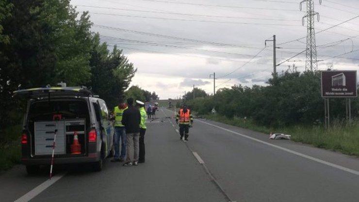 Nedělní nehoda na Královéhradecku si vyžádala tři oběti: Osiřelá holčička (4) bojuje o život