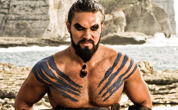 Peter Dinklage slaví 51: Tyrion a Khal Drogo ze Hry o trůny se spojí v hororu o upírech