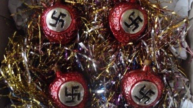 Vánoce ve znamení hákového kříže: Takové ozdoby by záviděl i Hitler