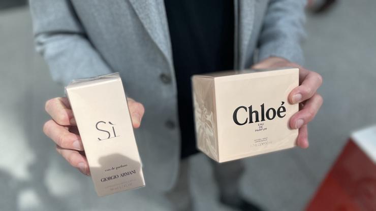 Velký test parfémů z e-shopů: Zjistili jsme, jestli voní méně než z kamenného obchodu!