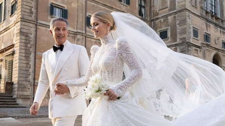Svatba jako z pohádky: Neteř princezny Diany (†36) Kitty (30) si vzala miliardáře (62). Takhle to nevěstě slušelo