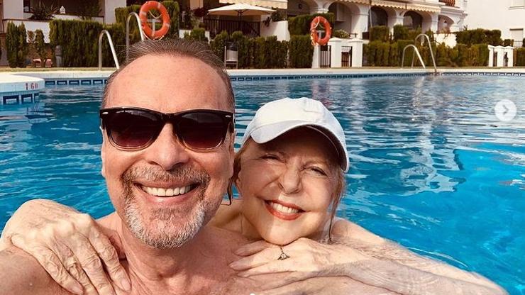 Hana Zagorová odletěla do Španělska: S manželem dováděli v bazénu a pozdravili fanoušky