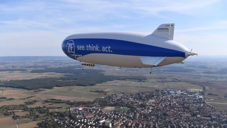 Nad Českem krouží obří vzducholoď: Kde a kdy ji můžete vidět u vás