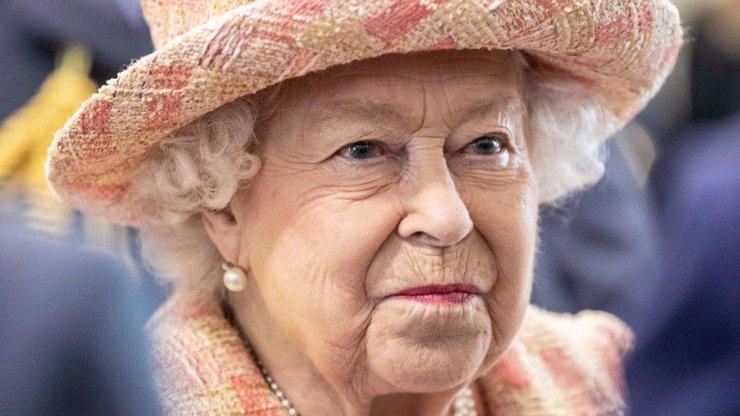 Královna kostýmků a elegance: Proč Alžběta II. narozeniny pravidelně přesouvá?
