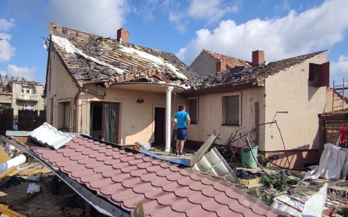 Martina Ševčíková s dětmi přišla o střechu nad hlavou.